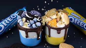 OREO Gold & Blue Joghurt Becher